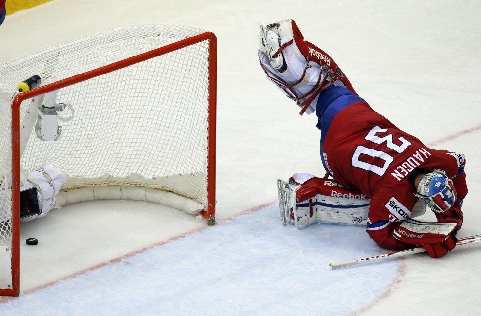 SLAPP INN FEM: Keeper Lars Haugen slapp inn fem mål da Norge tapte mot Slovakia i Minsk onsdag kveld. Foto: NTB Scanpix