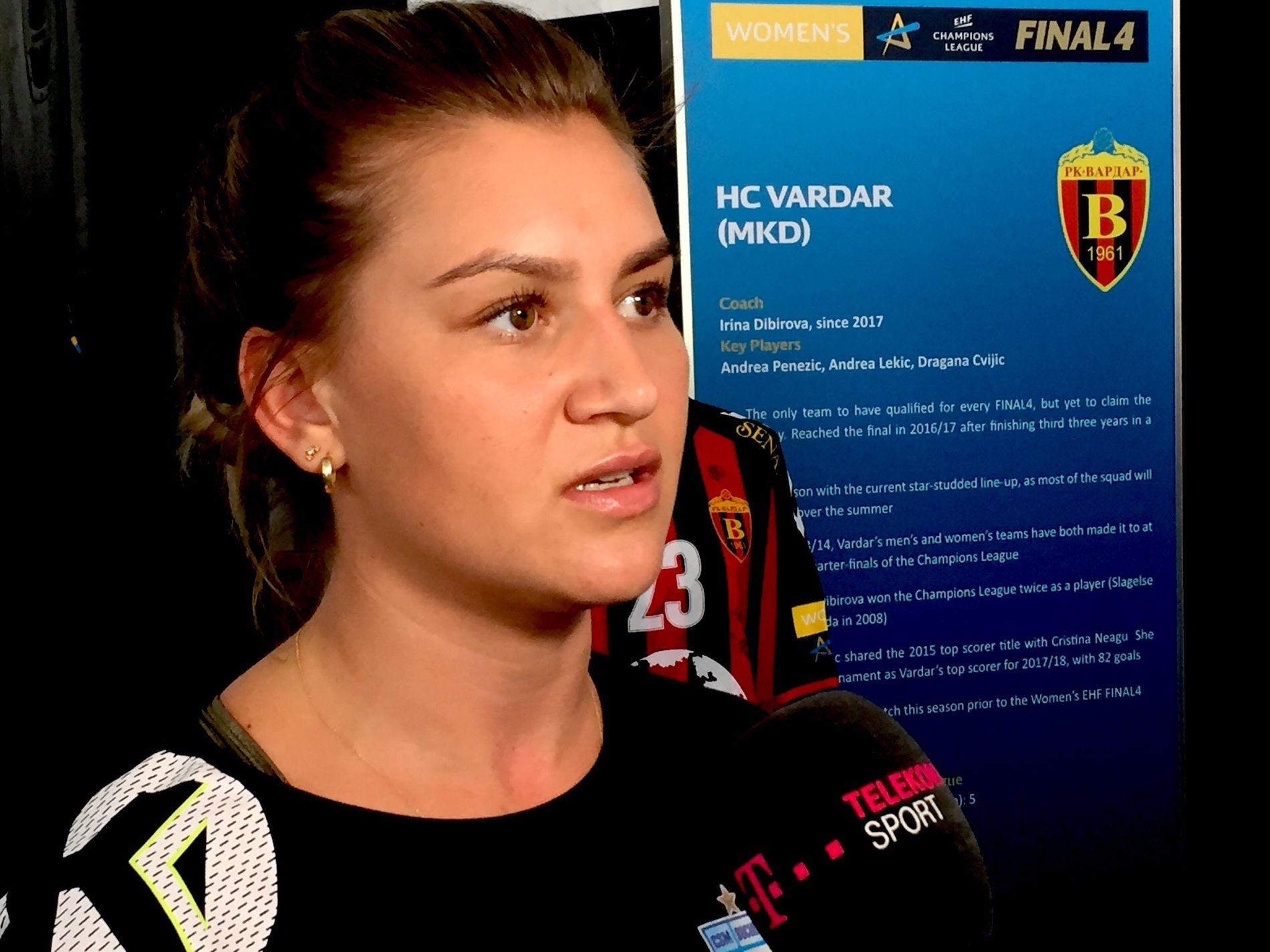SPENT: CSM Bucuresti-profilen Amanda Kurtovic møtte pressen i Ungarn fredag ettermiddag.