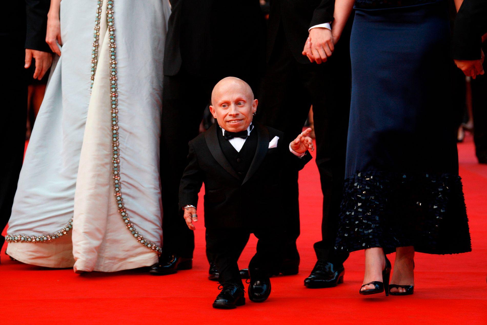 RØD LØPER: Verne Troyer på den røde løperen på filmfestivalen i Cannes i mai 2009.
