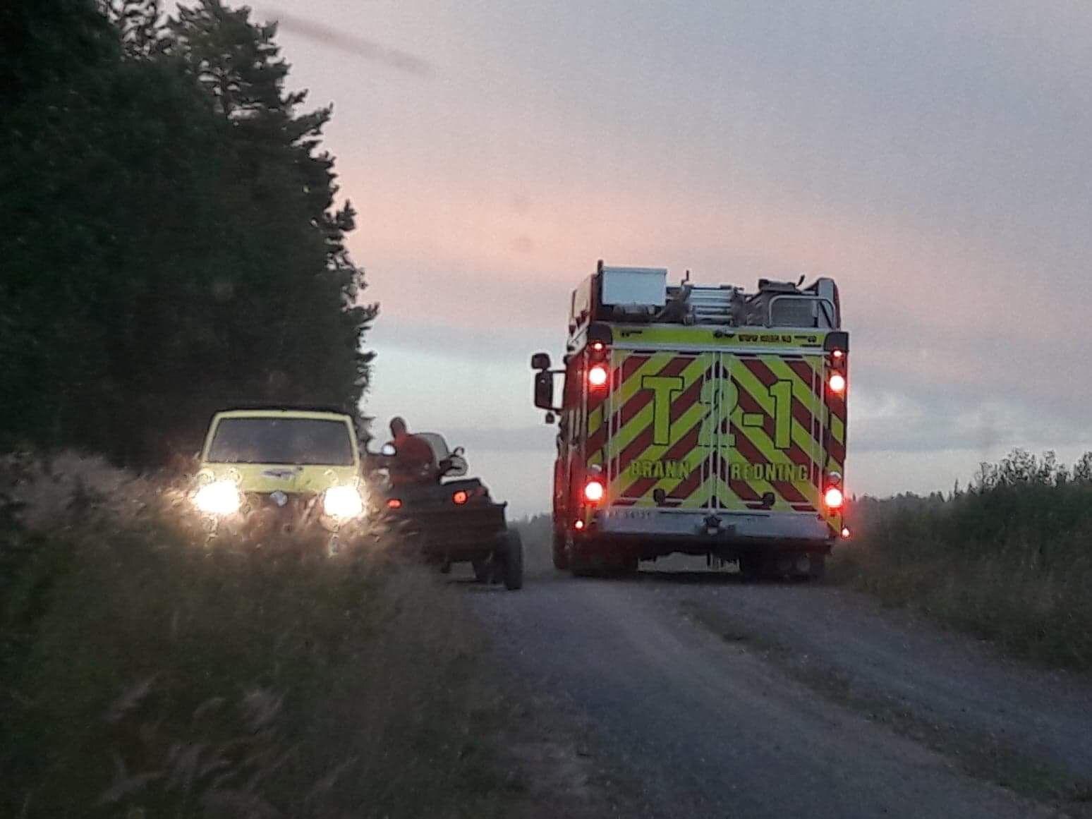 SENDT TIL SYKEHUS: Mannen i 30-årene ble funnet liggende på bakken under slukkingen av en skogbrann i Akershus i midten av juli. Dagen etter døde han på Ullevål sykehus.
