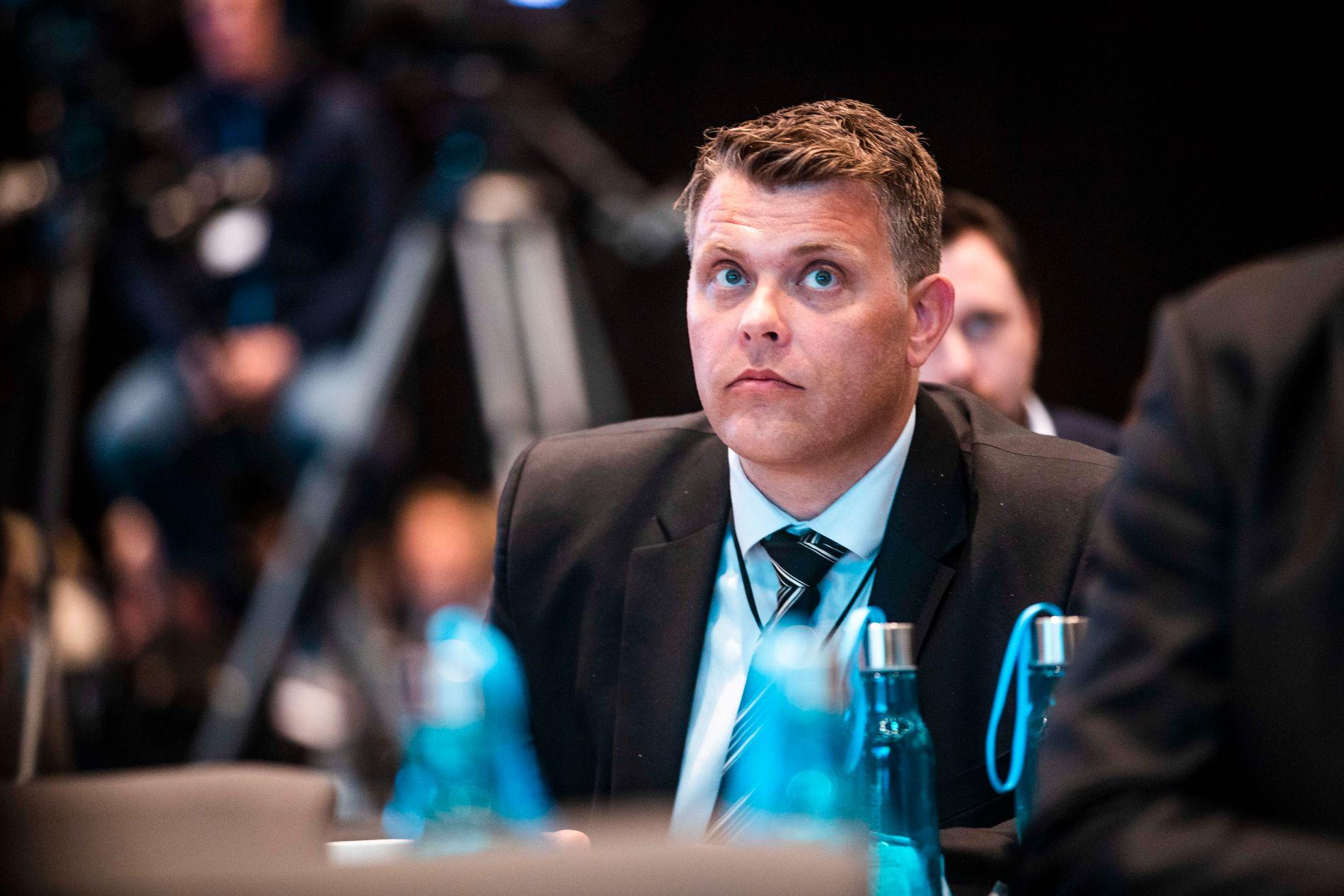 MÅ SVARE: Justisminister Jøran Kallmyr (Frp) må nå forklare praksisen ved utsending av asylbarn i Stortinget.