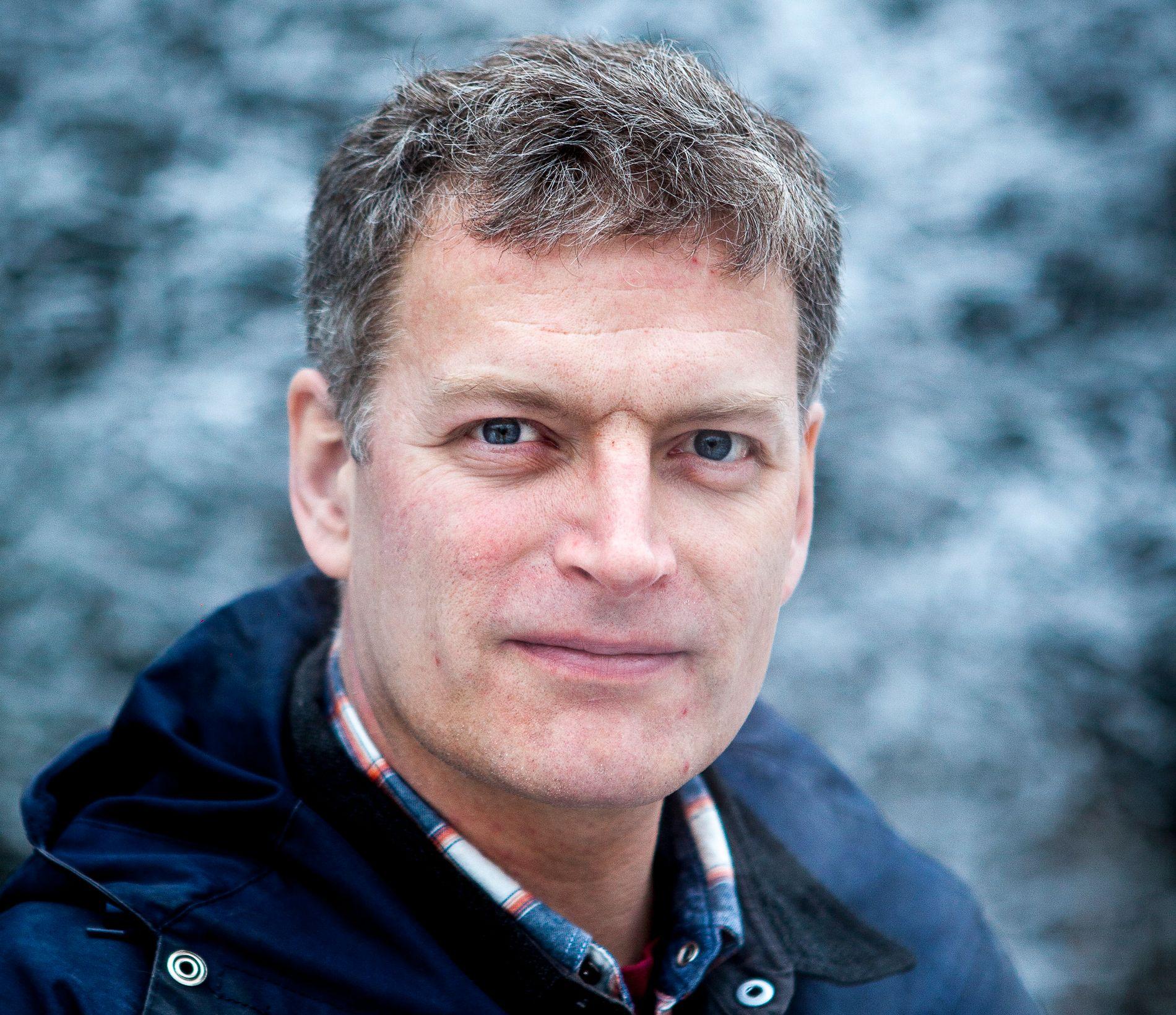 GULLEGG: Lars Mytting vant Bokhandlerprisen for sin forrige roman «Svøm med dem som drukner». Nå mener VGs anmelder at han kan ha lagt gullegget med sin nye roman «Søsterklokkene».