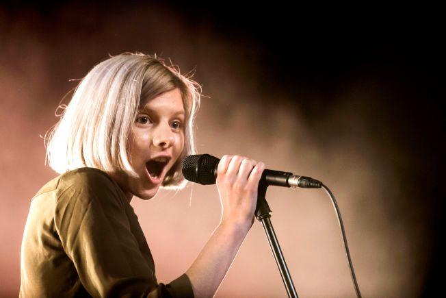 DEBUTERER: Etter to år med stor oppmerksomhet har Aurora Aksnes sitt første album klart. Foto: KLAUDIA LECH