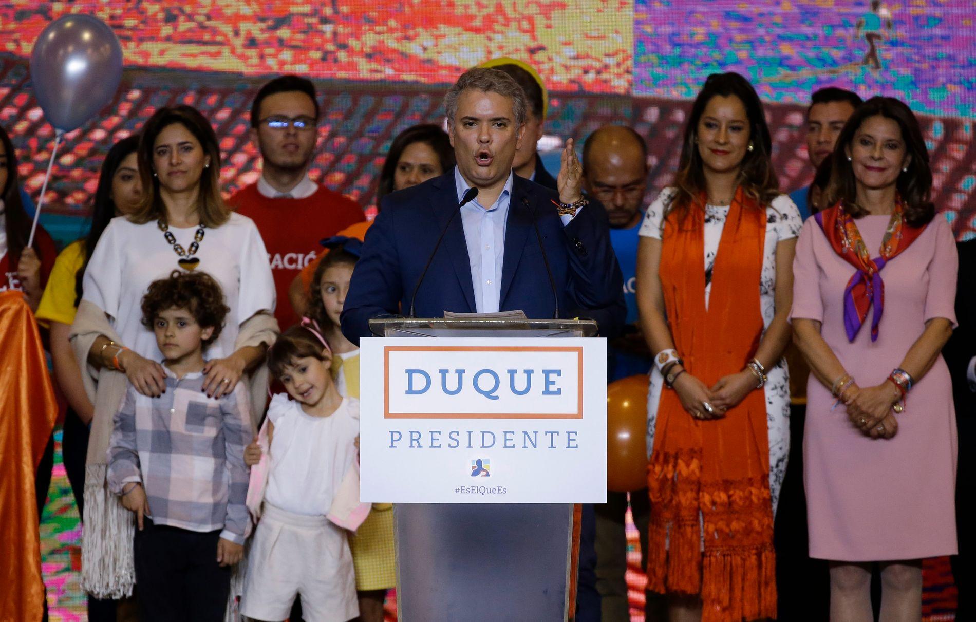OVERLEVER FREDEN? – Den mektige høyrepolitikeren Álvaro Uribe var avgjørende for valgseieren til Ivan Duque. Men om Duque blir Uribes nikkedokke gjenstår å se, skriver kronikkforfatterne.