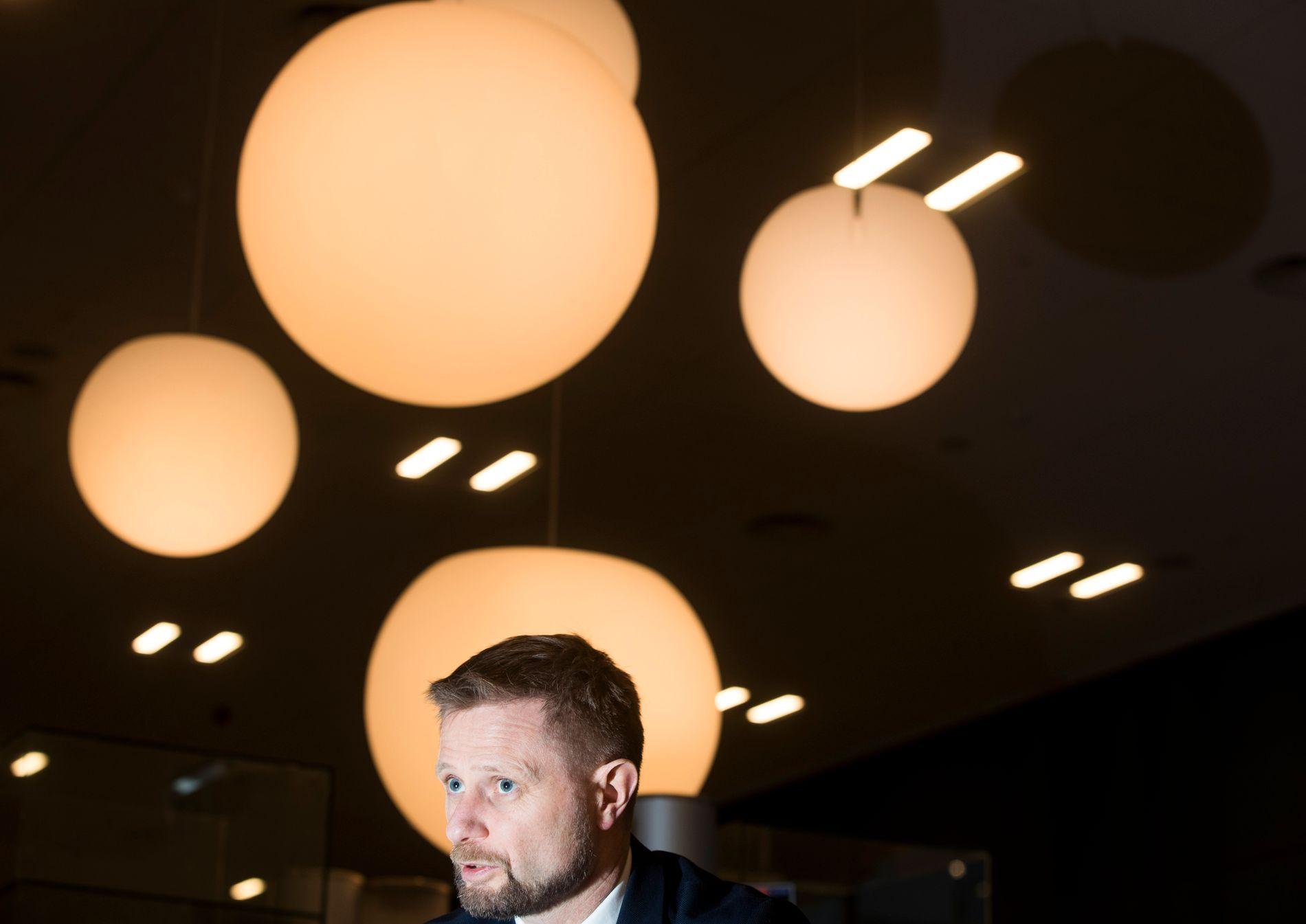 LOVER BEDRING: Helseminister Bent Høie (H) har satt igang et arbeid for å se på mulightene for utprøvende kreftbehandling.