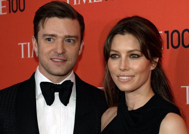 BABYLYKKE: Justin Timberlake og skuespillerkona Jessica Biel ble foreldre til lille Silas Randall Timberlake tidligere denne måneden. Her er paret avbildet i forbindelse med en prisutdeling i New York.
