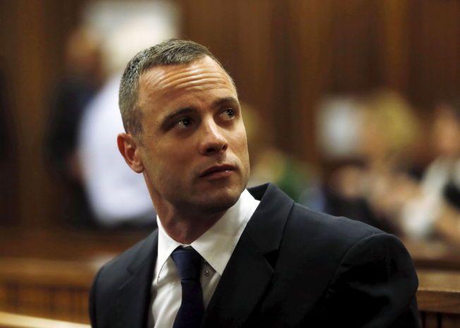 STRENGERE STRAFF: Oscar Pistorius må på ny møte i rettssalen etter at høyesterett erklærte at kjennelsen mot ham må endres.