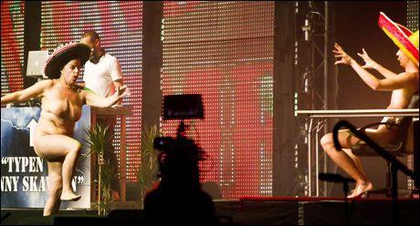 SPLITTER NAKEN: Else Kåss Furuseth trekker fram Rihanna-sketsjen og nakenstuntet under «Morten Ramm fyller Spektrum»-showet blant de største høydepunktene i hennes karriere. Foto: JAN PETTER LYNAU