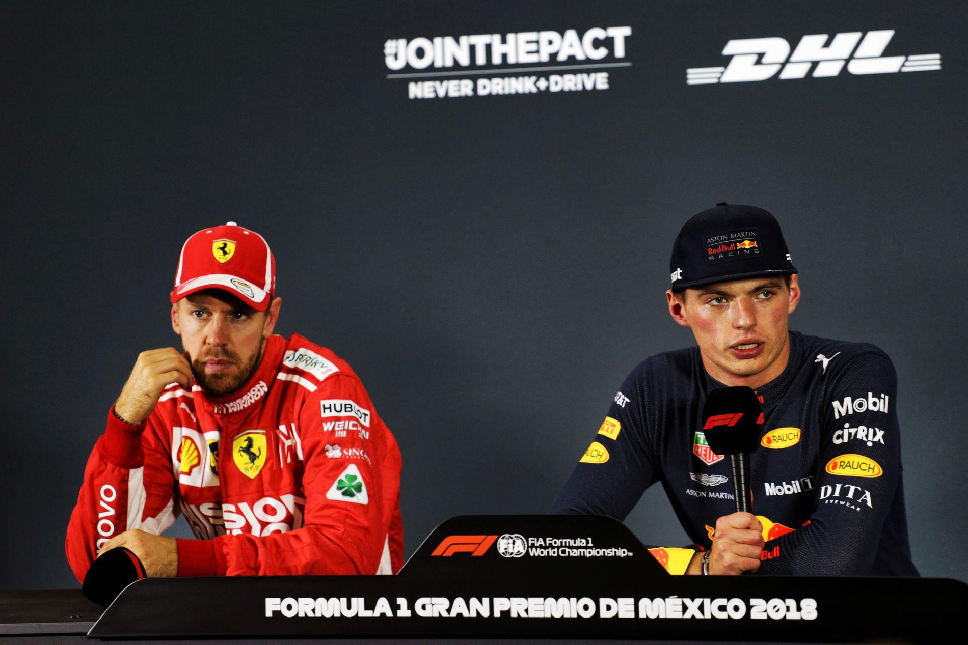 KALD STEMNING: De hadde roet seg etter målgang, men det var ingen tvil om at Max Verstappen (t.h) ikke var fornøyd med Sebastian Vettel. Her fra løpet i Mexico i fjor.