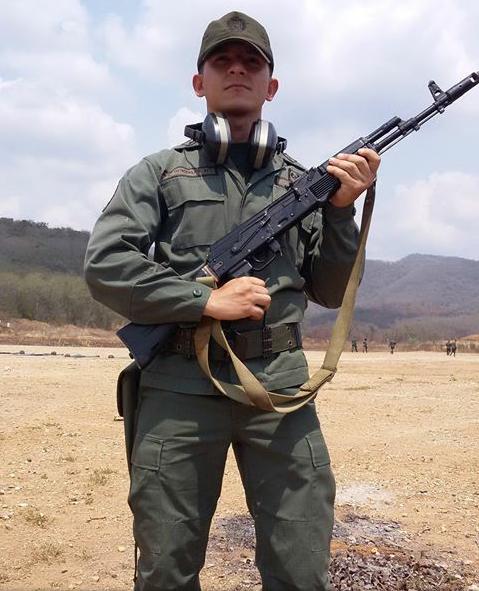 SOLDAT: Frederik González vervet seg til militæret i 2013, for å få brukt utdannelsen som sivilingeniør.