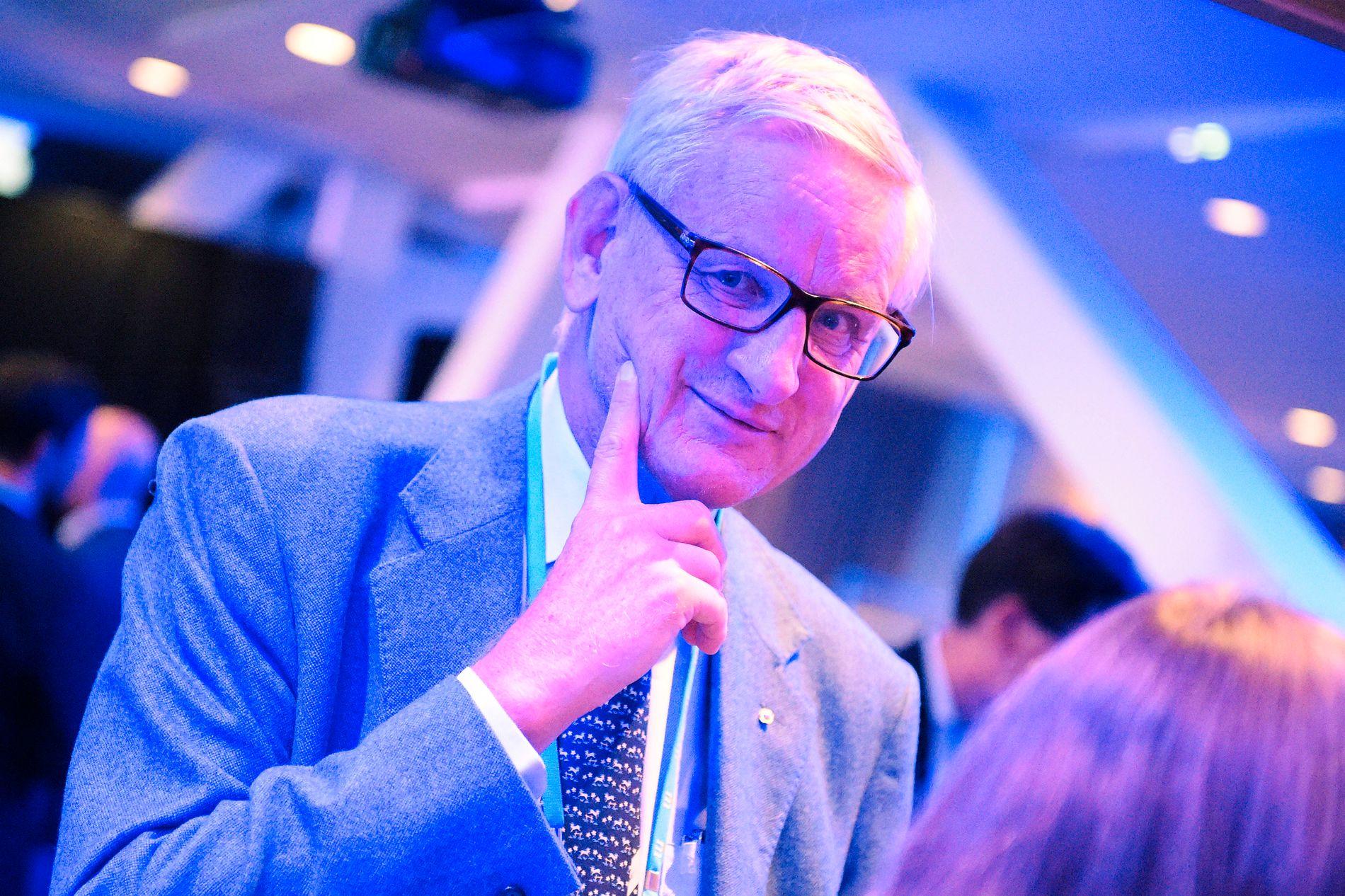 NESTOR: Tidligere statsminister Carl Bildt er på Moderaternas valgvake på Scandic Continental på Vasagatan i Stockholm.