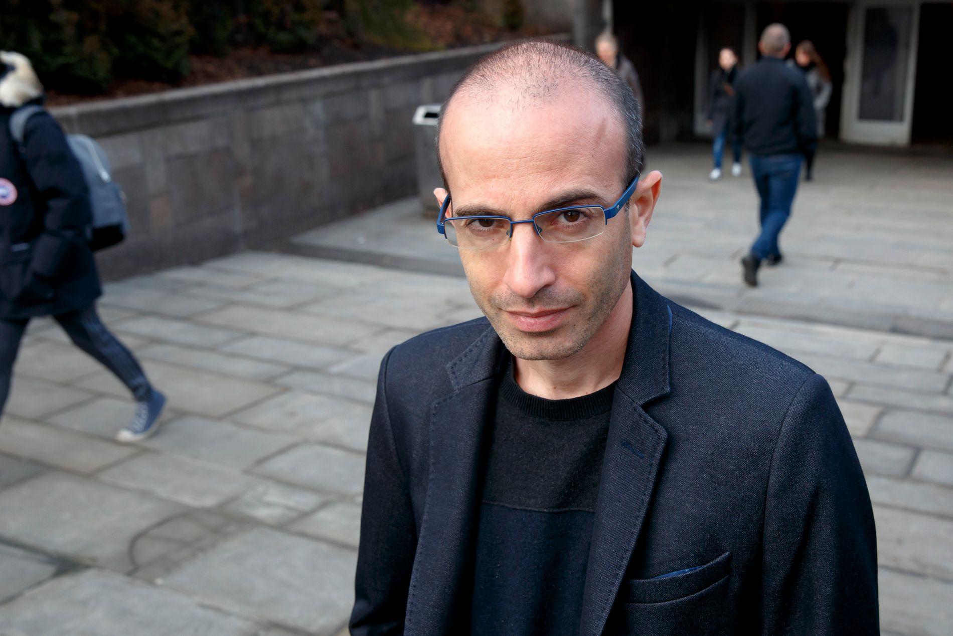 INSPIRERENDE: VGs anmelder mener Yuval Noah Hararis bok vil inspirere leseren til å lete etter eksistensielle svar.