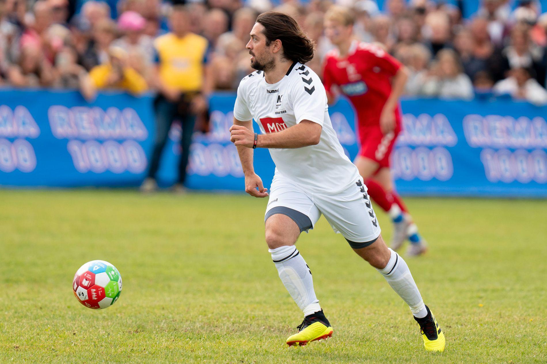 MÅLSCORER: Mats Zuccarello i aksjon under «kjendiskampen» på Norway Cup onsdag.