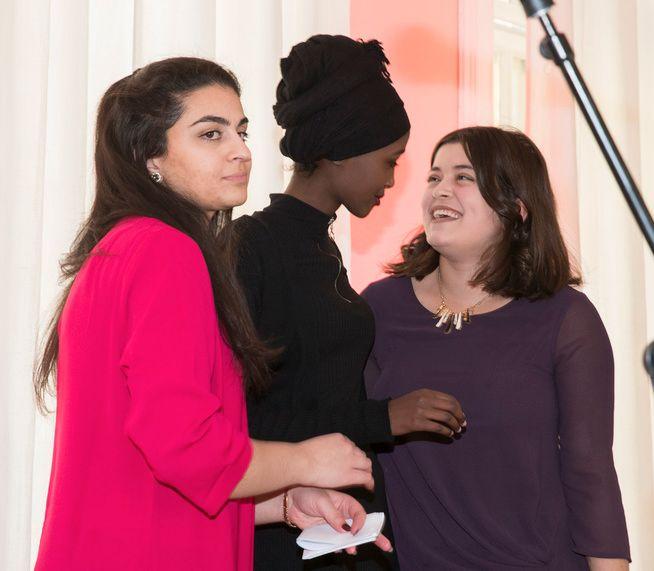 VIKTIG DEBATT: Boka Skamløs av Sofia Srour, Amina Bile og Nancy Herz setter negativ sosial kontroll på agendaen.