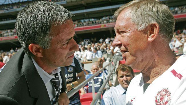 TRENERRIVALER: Her, i 2007, var José Mourinho (t.v.) og Alex Ferguson trenerrivaler. Siden har den skotske treneren lagt fra seg taktikktavla mens Mourinho har returnert til Chelsea igjen.