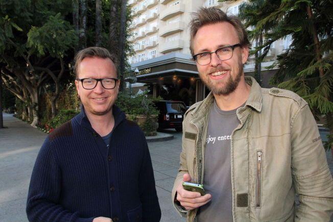 I VINDEN: Espen Sandberg og Joachim Rønning er for tiden travelt opptatt med filminnspilling i Australia. Her utenfor Four Seasons Hotel i Beverly Hills i forbindelse med Oscar-utdelingen i 2013.