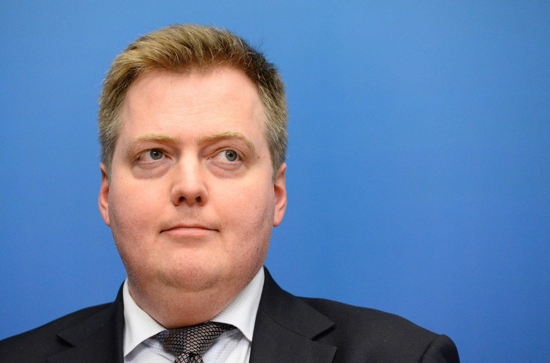 HARDT PRESSET: Den islandske statsministeren, Sigmundur Davíð Gunnlaugsson, er hardt presset fra både politikere og folket på sagaøya. Her er han avbildet på et møte i Nordisk Råd i 2014. Foto AFP / JONATHAN NACKSTRAND