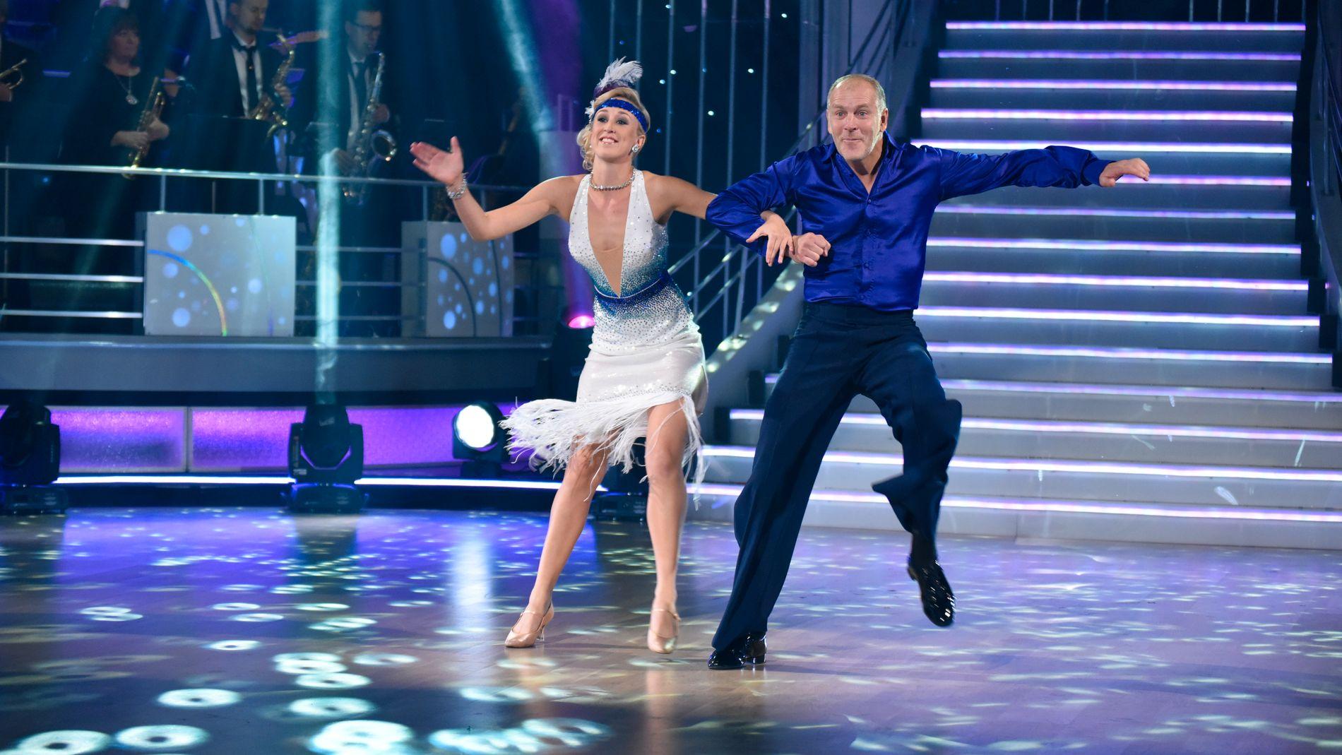 DANSENDE KONDITOR: Pascal Dupuy deltok i 2015 på «Skal vi danse» på TV 2, her sammen med dansepartner Mai Mentzoni.
