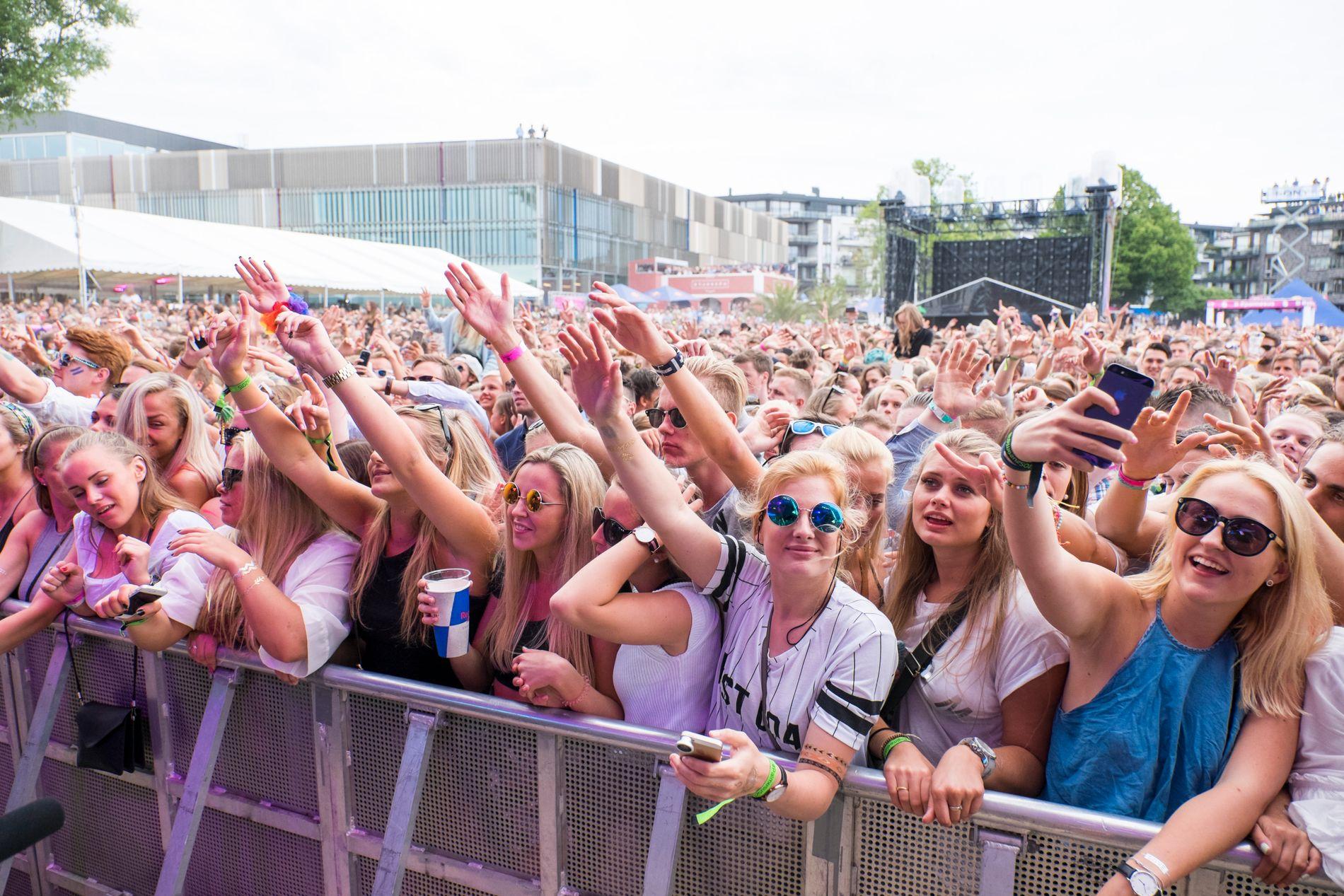 POPULÆR FESTIVAL: Palmesus-festivalen i Kristiansand trekker flere tusen ungdommer hvert år. Her under Kygos opptreden i 2015.