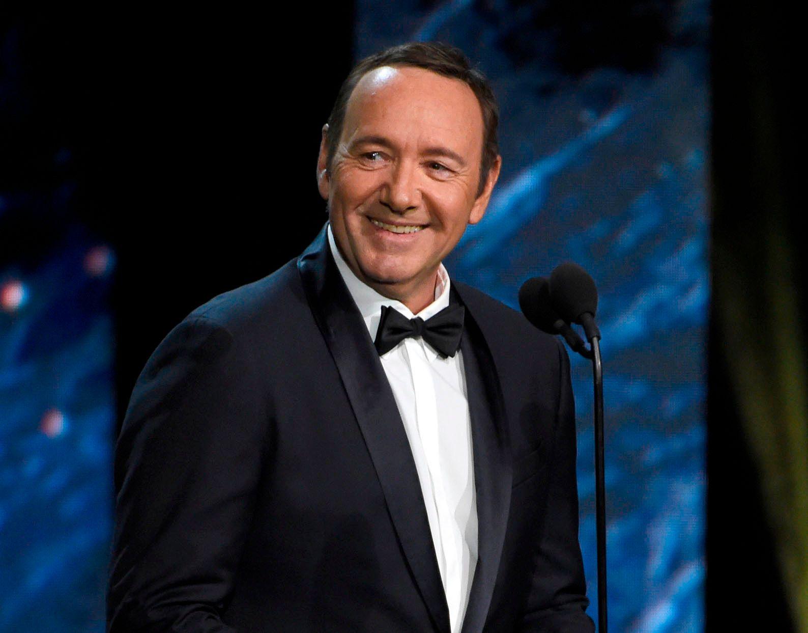 LIKE FØR: Kevin Spacey var prisutdeler på  BAFTA Los Angeles Britannia Awards i Beverly Hills i oktober i fjor, like før suksessboblen sprakk.