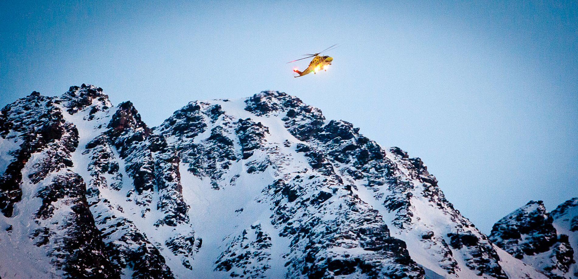 Selv om stadig flere ferdes i fjellene er det rekordlavt antall mennesker som omkommer i skredulykker.