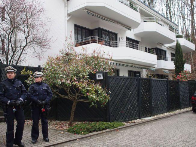 BEVOKTET: Leiligheten til Andreas Lubitz i Dusseldorf ble gjennomsøkt av politiet torsdag kveld.