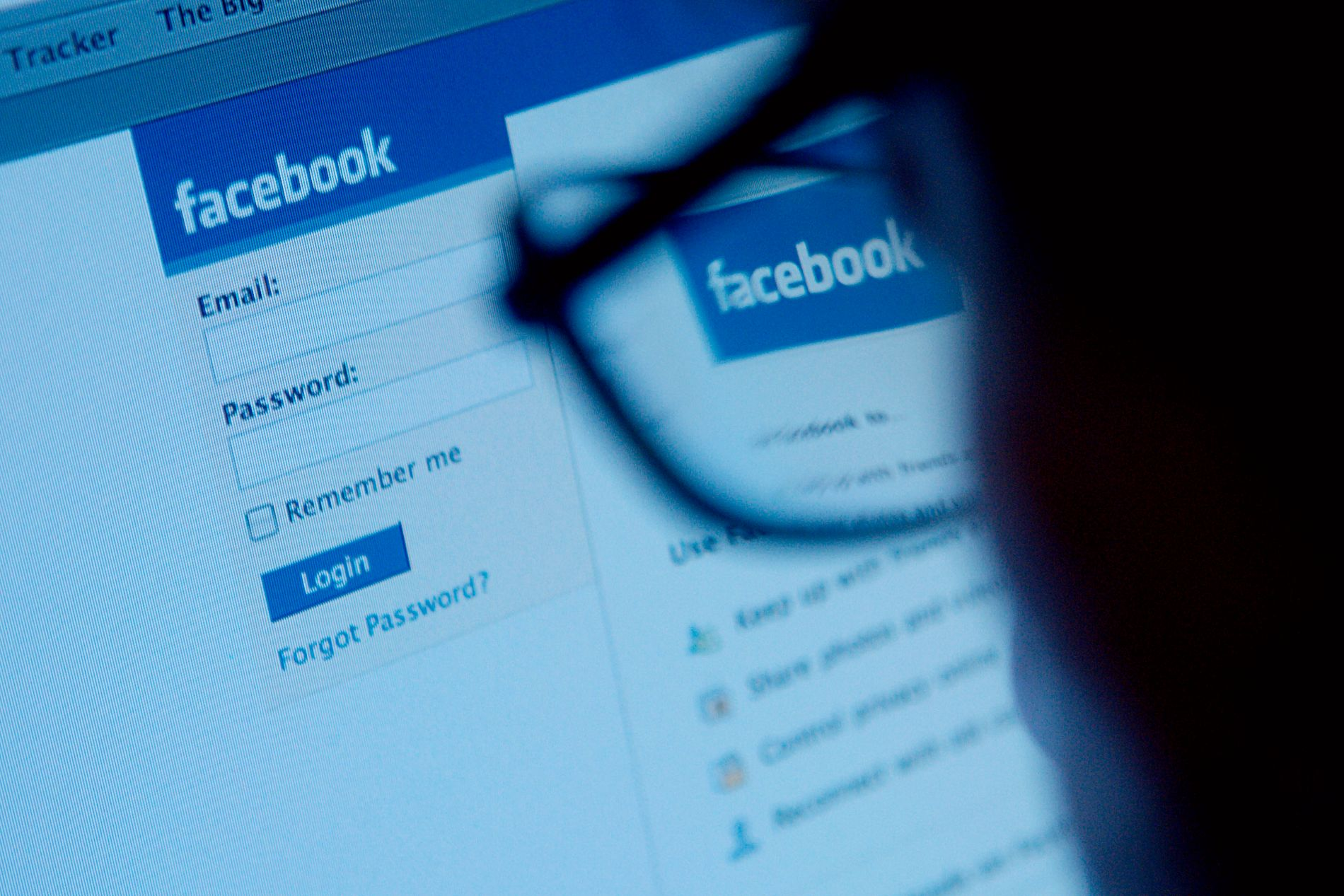 SOSIALE MEDIER: Hevnporno er et samfunnsproblem som øker i takt med sosiale medier, som Facebook