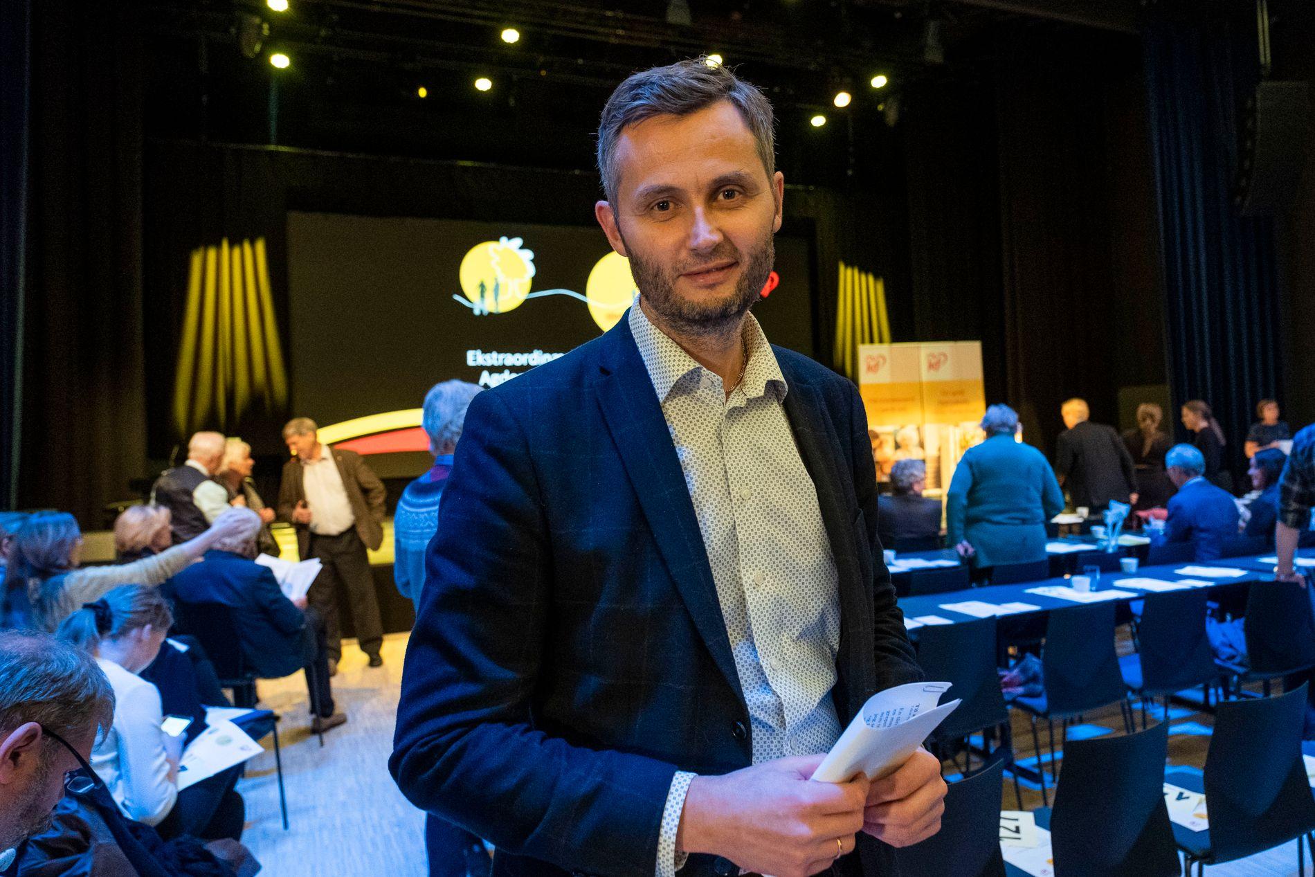 STØRST: Fylkesleder Per Sverre Kvinlaug på årsmøtet til Agder KrF i Lillesand fredag kveld.
