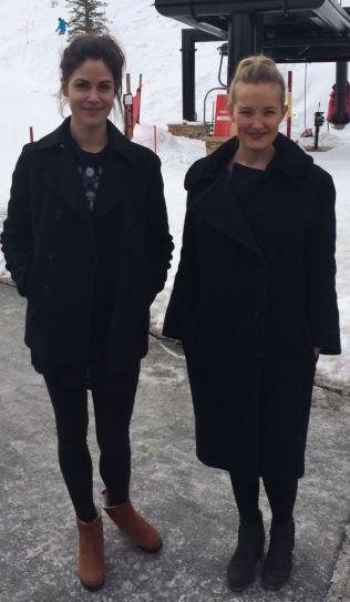 KOLLEGAER: Regissør Anne Sewitsky og skuespiller Ine Williams på plass i Utah.