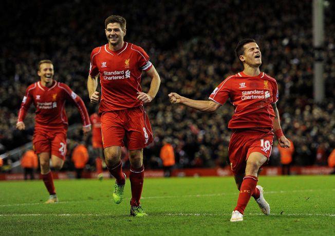 MER Å JUBLE FOR? Lucas Leiva, Steven Gerrard og Philippe Coutinho feirer sistnevntes 1-0-scoring mot Arsenal søndag. Skal Liverpool-spillerne kunne juble for mesterliga-spill neste år, må de levere en historisk god andre halvdel av sesongen.