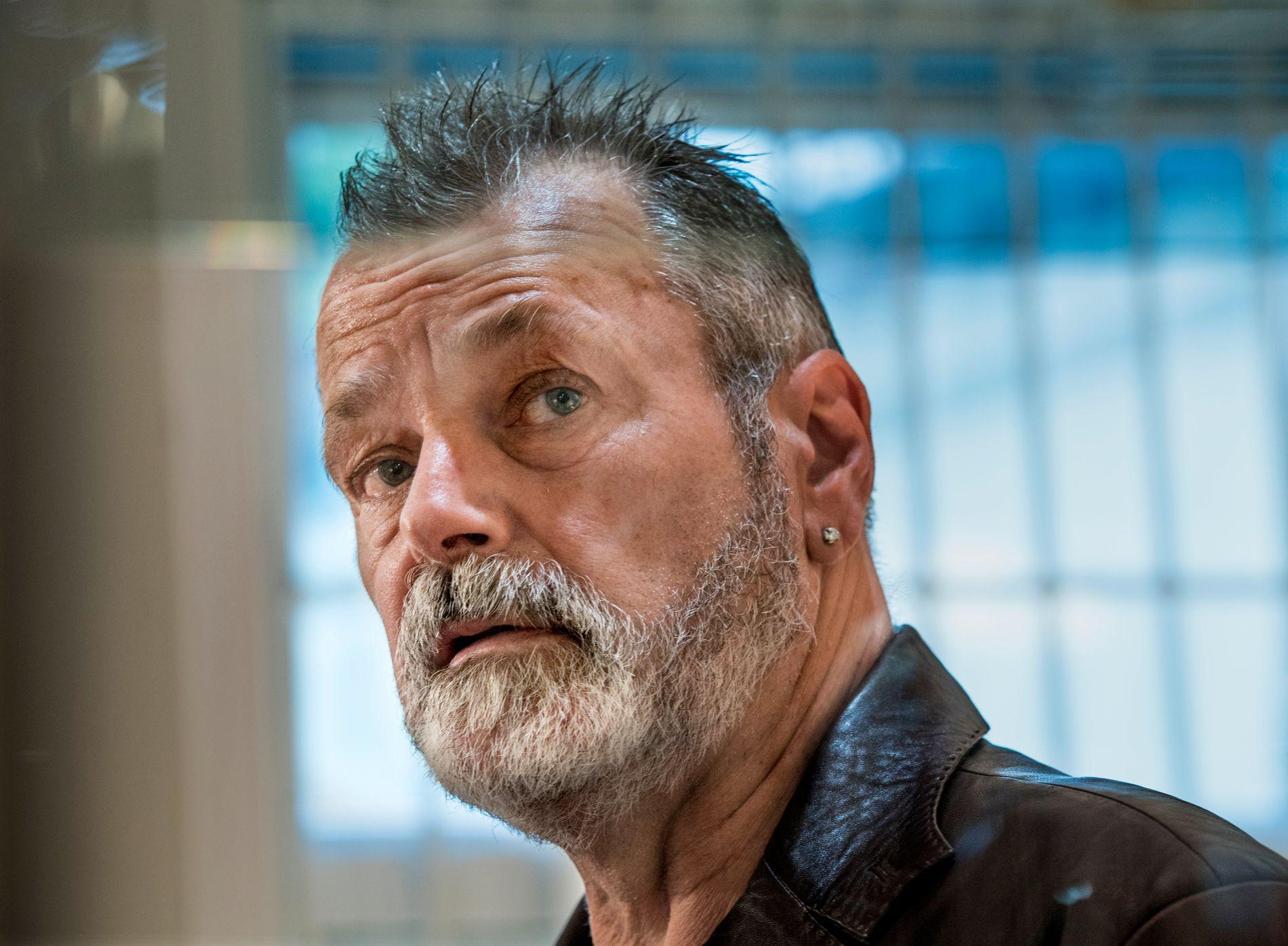 MØTER I RETTEN: Eirik Jensen anket dommen på 21 års fengsel. Tirsdag møter han på ny i retten. Her er han avbildet under en kunstutstilling på Frogner i Oslo, kort tid før tingrettsdommen falt.