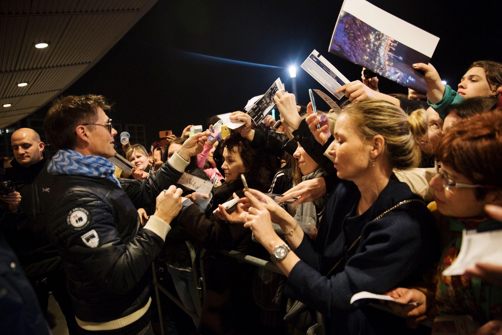 HAR DRAGET: Morten Harket møter fansen etter konsert i Berlin i april. Foto: ANDREA GJESTVANG