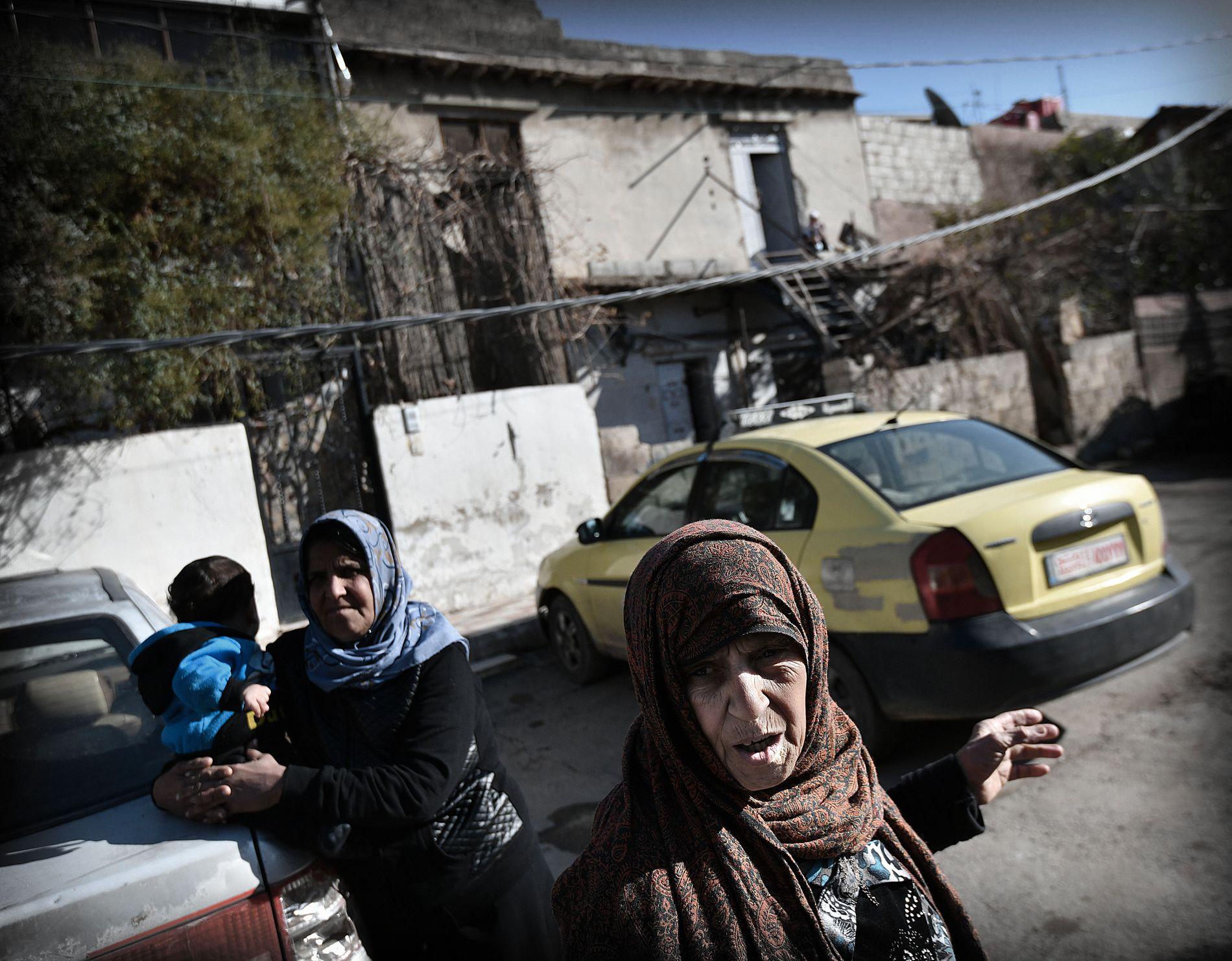 MISTET SØNNEN: Sønnen til Shahera (85) omkom i et granatangrep i Jobar ved fronten mot Øst-Ghouta.