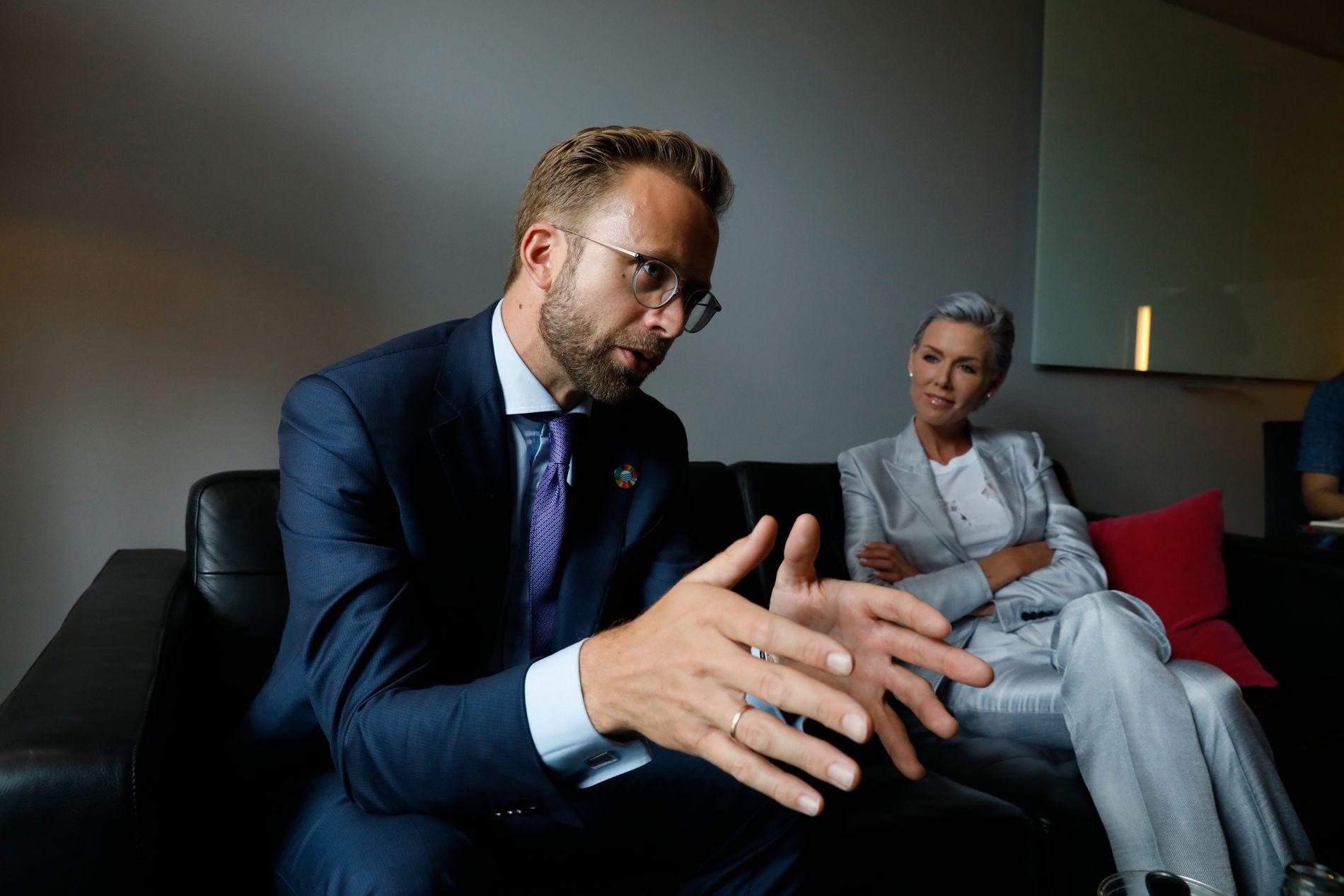 SATSER PÅ HAVET: Utviklingsminister Nikolai Astrup og den norske regjeringens satsing på å redusere marint avfall hylles av Gunhild Stordalen. Mandag møttes de to på EAT-konferansen i Stockholm.