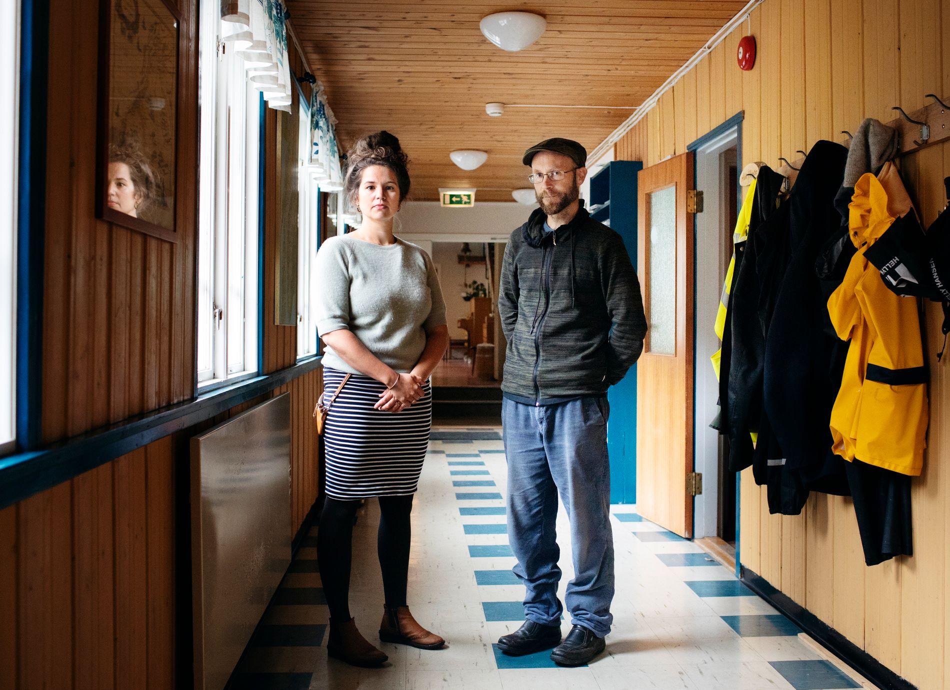 ANSATTE: Rektor Arnhild Finne og inspektør Kenneth Bjørkli på Fosen Folkehøgskole i Rissa kommune utenfor Trondheim.
