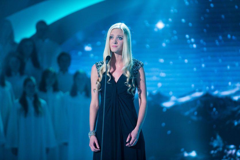 VINNER: Stine Hole Ulla (17) vant årets finale av «Norske Talenter». Foto: TV 2