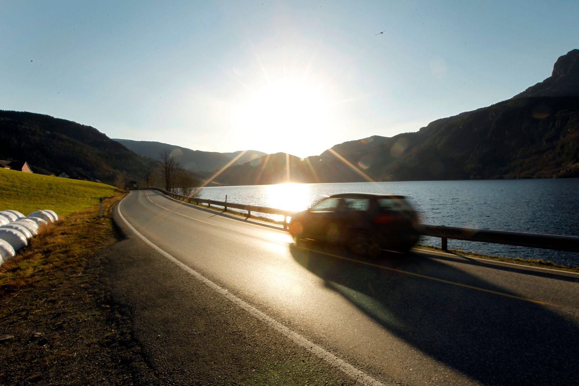 Øker risikoen: Veier med høy fartsgrense og uten midtdeler øker risikoen alvorlige trafikkulykker.