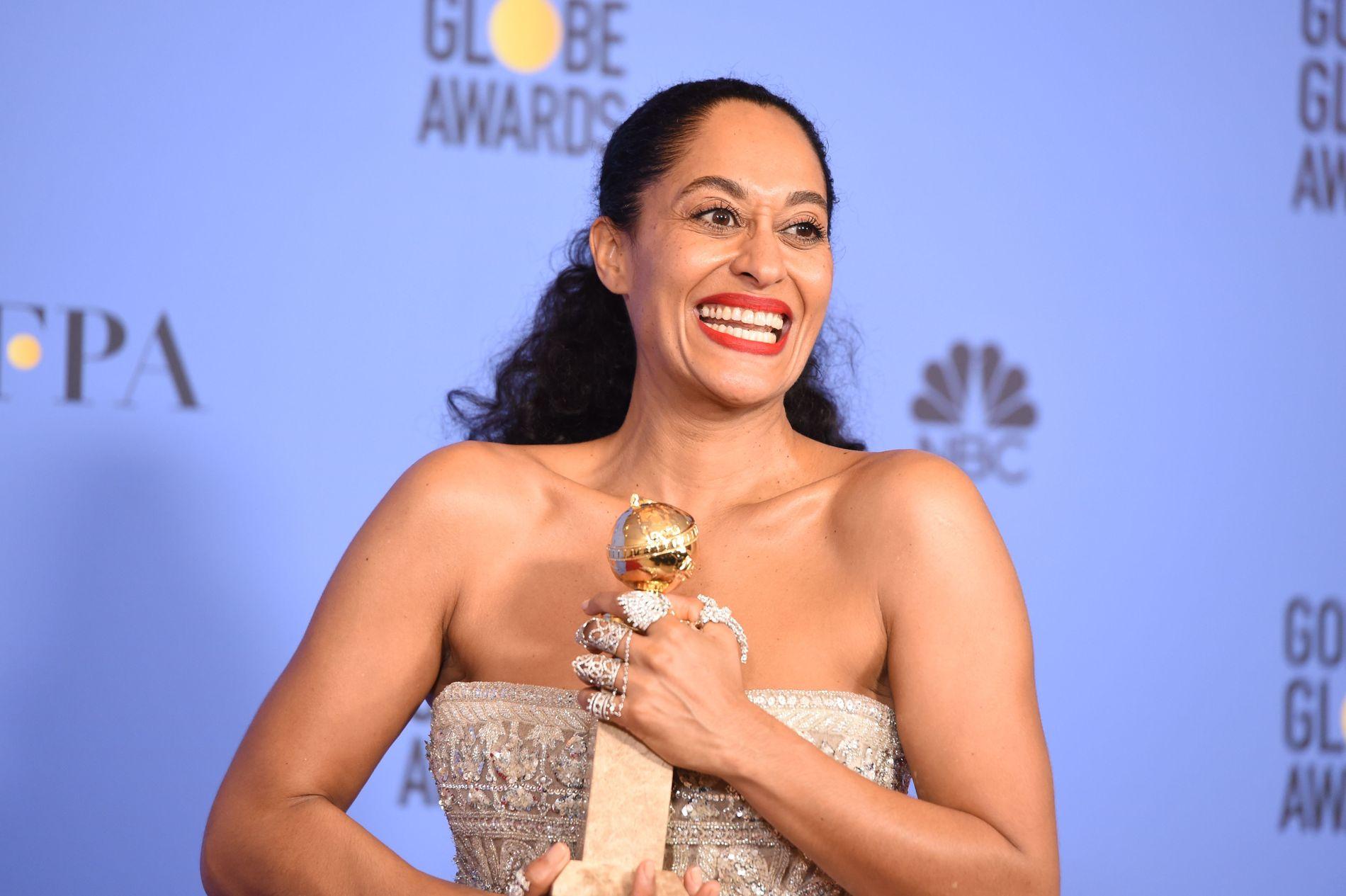 PRISVINNER: Tracee Ellis Ross' rolle i «Black-ish» ga henne prisen for årets kvinnelige skuespiller i en TV-komedie.