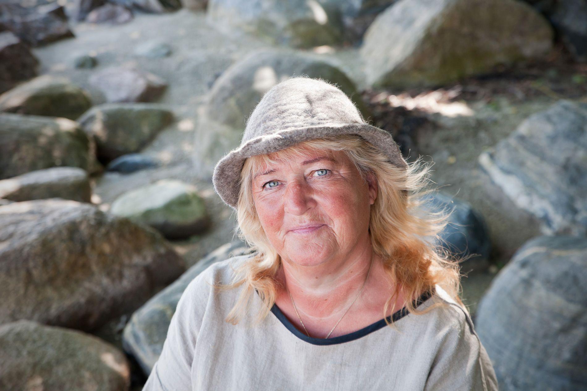 IKKE REDD FOR KRANGLER: Line Soumalainen markerer seg i første «Farmen»-episode.