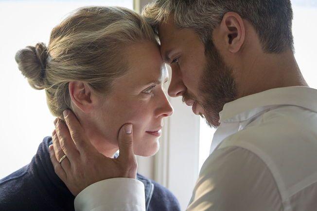 FIKSJONSSERIE: Nicolai Cleve Broch og Synnøve Macody Lund i TV 2-serien «Frikjent», som er inspirert av, men ikke basert på, Birgitte Tengs-saken.