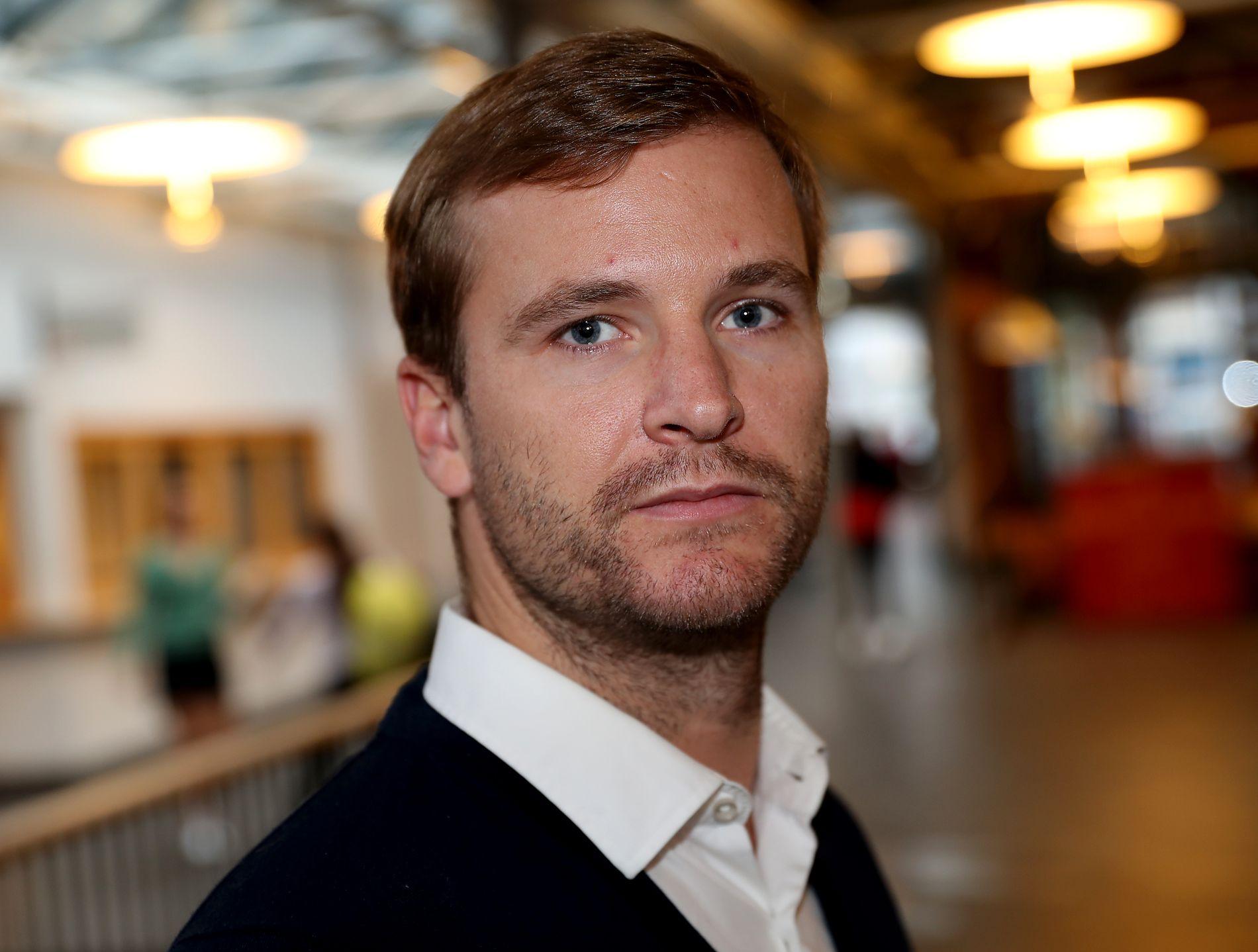 EKSPERT PÅ DOMMERADFERD: – Åpenhet rundt forhold som er relevante for habilitetsspørsmålet er etter min mening helt avgjørende, sier stipendiat Morten Nadim ved Universitetet i Bergen.