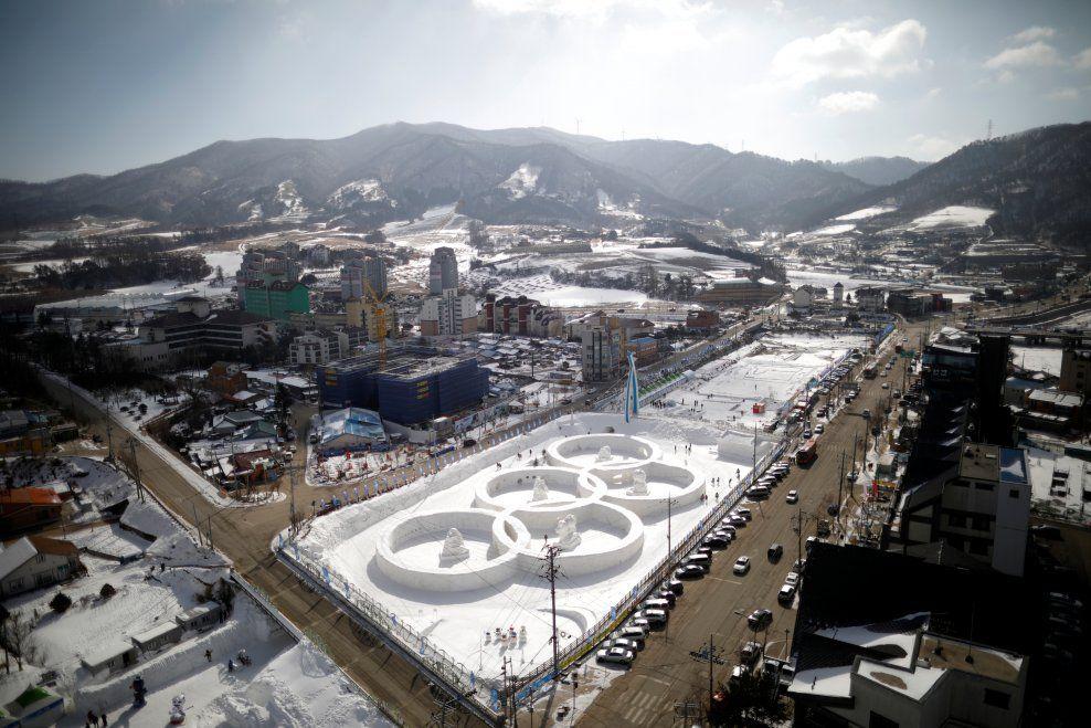 STRAKS OL-KLART: Om få dager er OL i gang i Sør-Korea. Her et oversiktsbilde over stedet hvor både åpnings- og avslutningsseremonien skal avholdes.