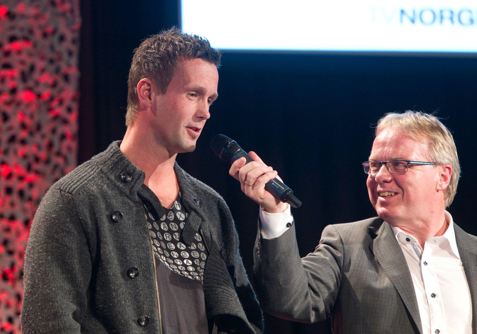 ENGASJERT: Dag Solheim, til høyre, har store følelser for Fredrikstad Fotballklubb. Her intervjuer han Ronny Deila i 2011.