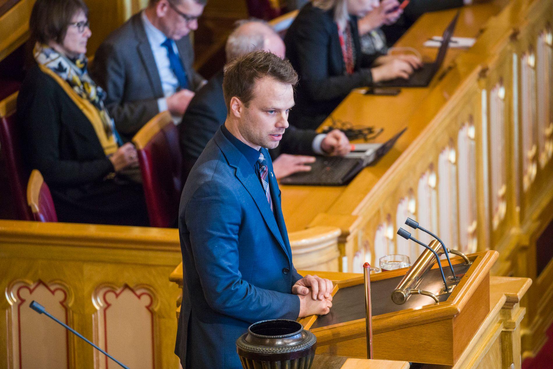 KRITISERTE PLATTFORMEN: Frps Jon Engen-Helgheim (Frp) argumenterte mot plattformen i Stortingsdebatten tordag (bildet er fra en annen anledning).