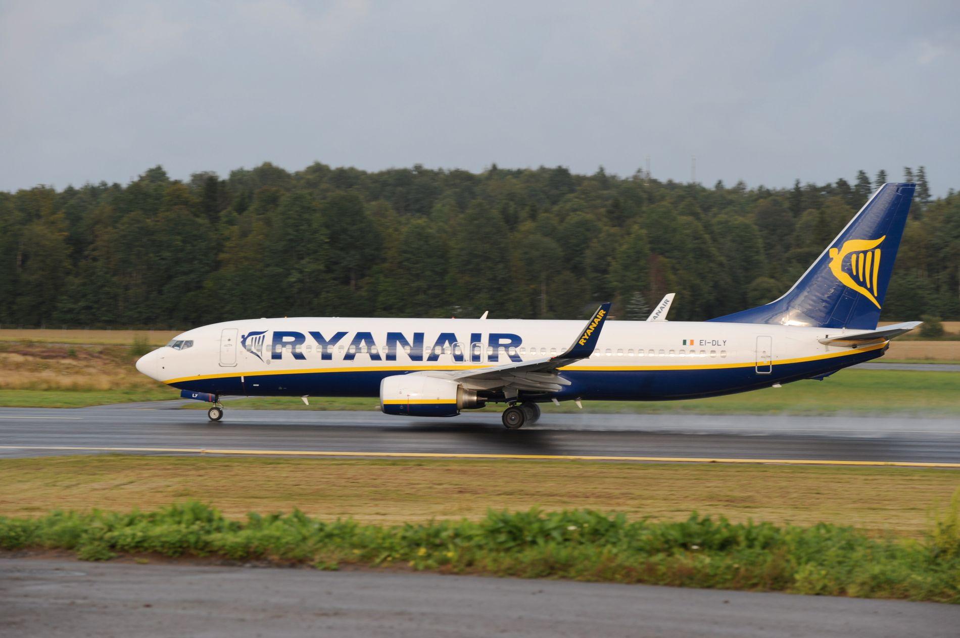 MÅTTE NØDLANDE: Et  Ryanair-fly måtte fredag kveld nødlande i Tyskland. Passasjerene er misfornøyde med behandlingen fra flyselskapet. Bildet er fra en annen anledning.