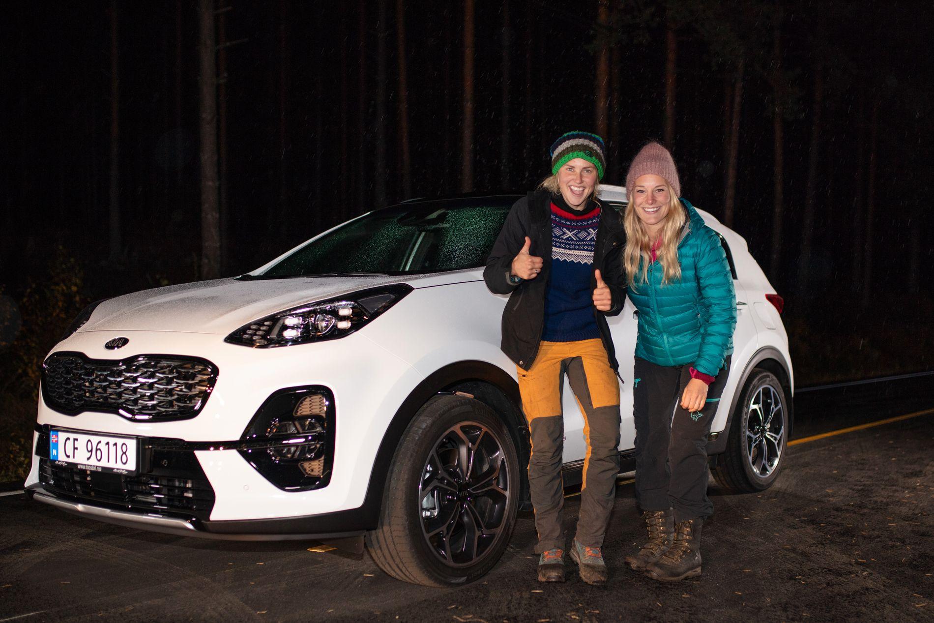VANT HYTTE OG BIL: Tonje får denne bilen, samt en hytte, etter å ha vunnet «Farmen». Det kommer nok godt med for kjæresten Lene Sleperud (29) også.
