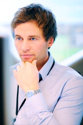 TILBYR REDNINGSPAKKE: Kraft Bank-direktør Sune Madland og hans kolleger.