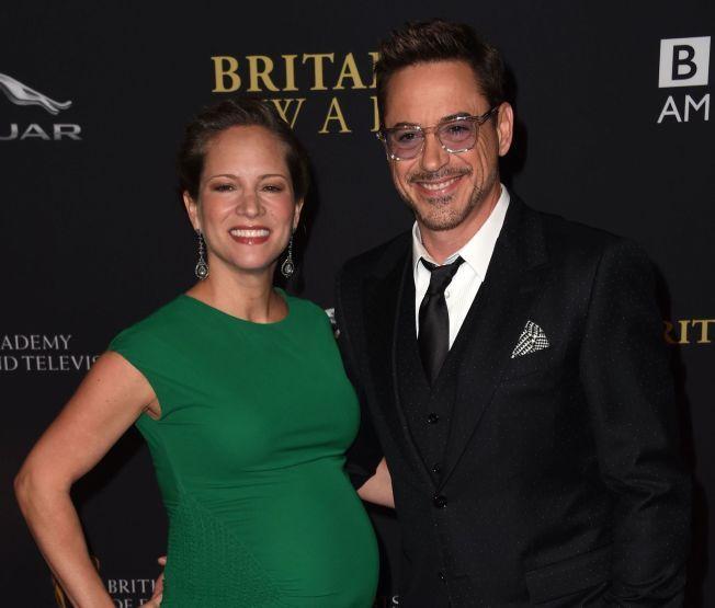 LIKE FØR: Robert Downey Jr og kona Susan på filmgalla i Los Angeles en uke før fødselen.