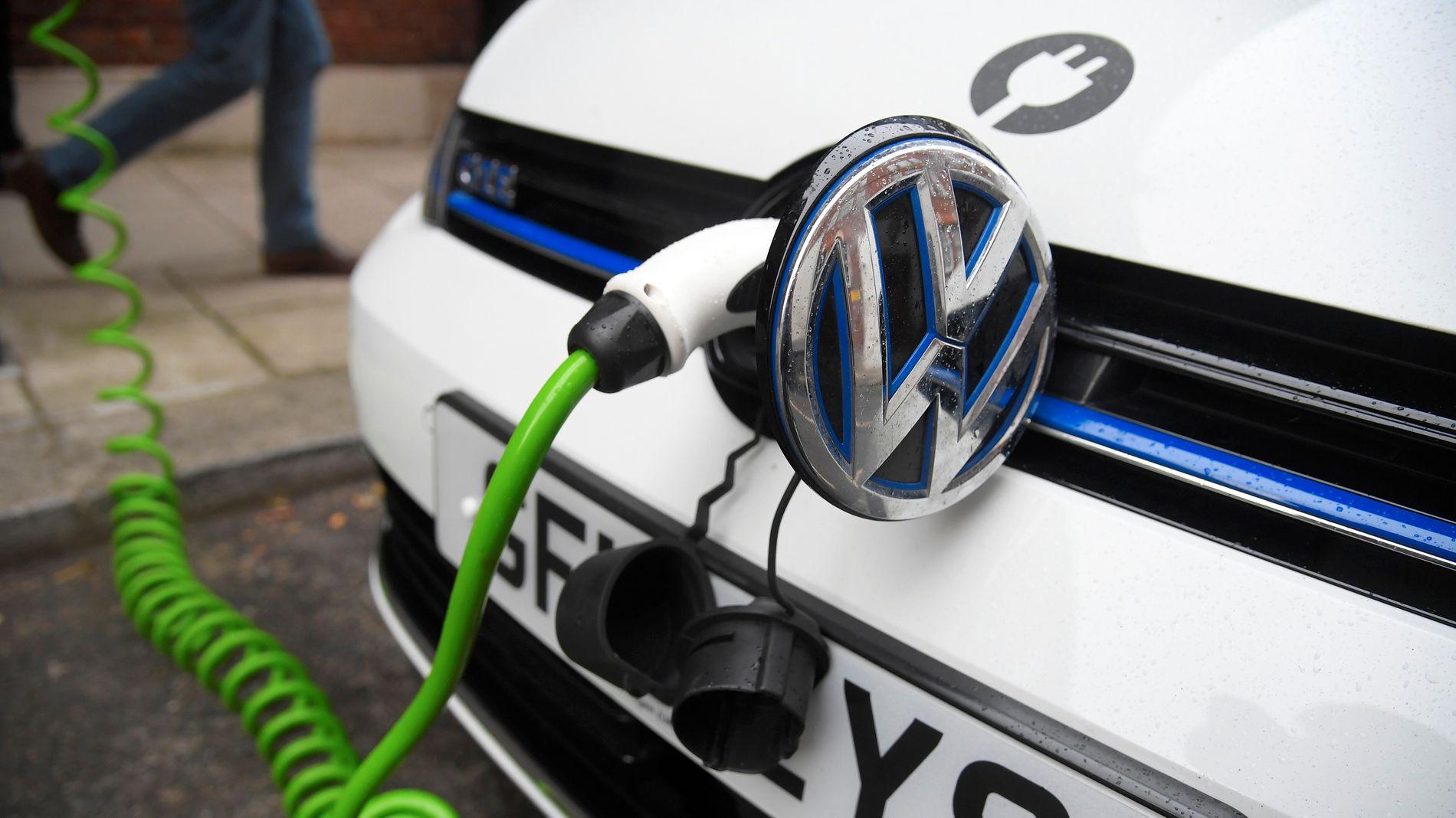 SATSER PÅ ELBIL: Volkswagen vil ha elbiler i alle segment om tre år.