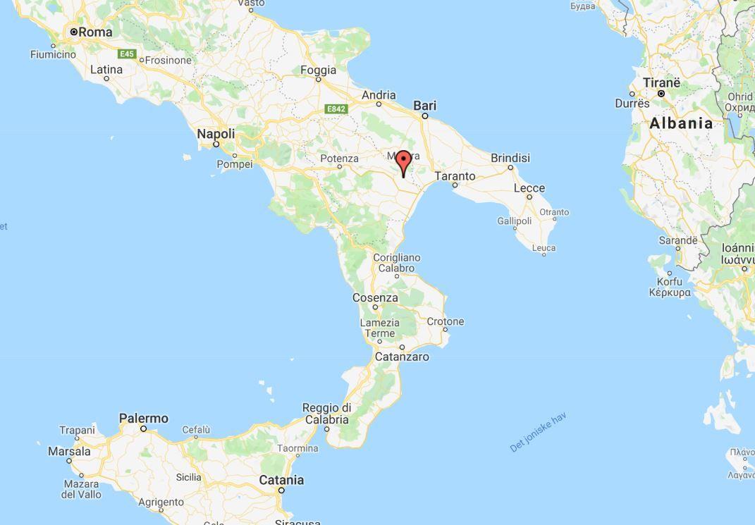NESTE INNSPILLINGSSTED: Sassi di Matera (rød markør) ligger sør for Roma.